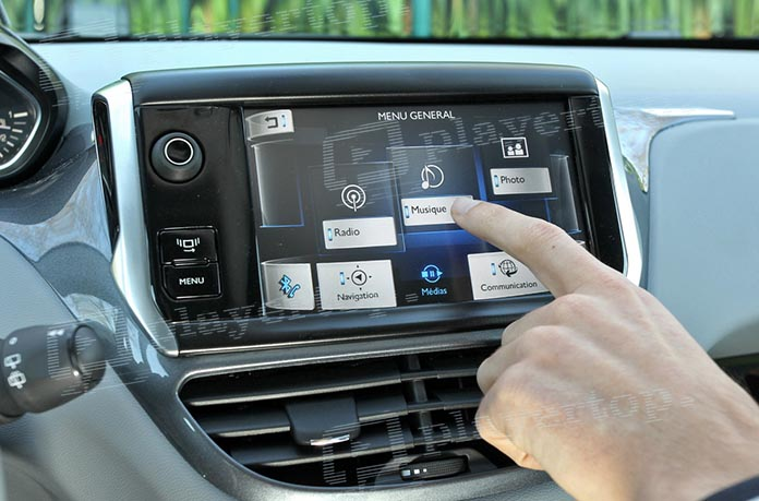autoradio avec Bluetooth